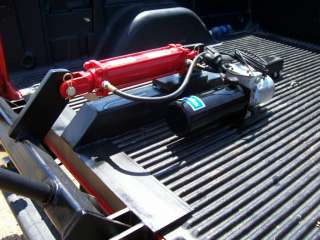 Pickup truck 12 volt hydraulic hay bale spear unit t