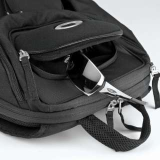 New Oakley Status Pack Laptop Computer Backpack