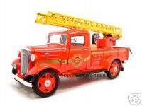 1935 CHEVROLET FIRE TRUCK 124 DIECAST MODEL