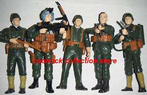 Lot of 5 WW2 military soldier action figures (12cm)