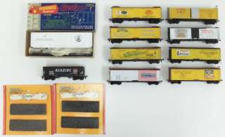 Train Miniature, Roundhouse, & Athearn HO Scale Freight Cars & Coal