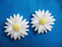 20 Resin Daisy Flower Flatback Button White B179