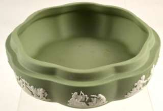 WEDGWOOD SAGE GREEN JASPERWARE TRINKET BOX   BOXED