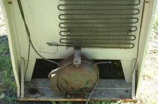 General Chef L K Refrigerator & 3 Burner Gas Stove 27