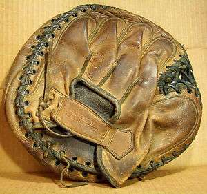 RARE 1925 WILSON CATCHERS MITT GLOVE