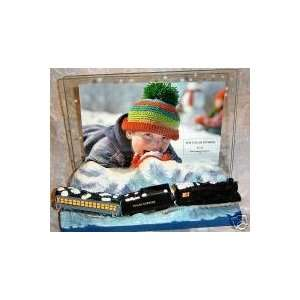 Hallmark Polar Express 2004 Frame Home & Kitchen